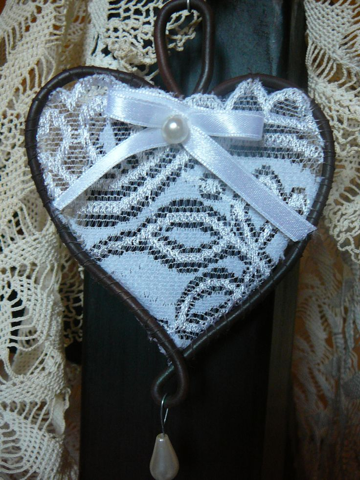 vintage heart - wire + lace