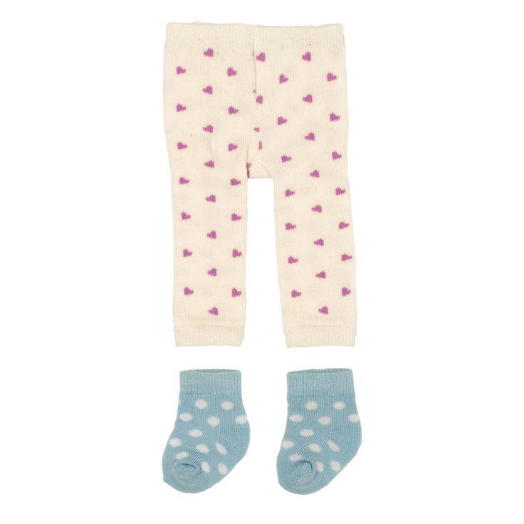 Skrållan Dockkläder Tights och Strumpor är ett set med dockkläder. Setet består av ett par söta tights i off-white med rosa härtan samt ett par ljusblå strumpor med vita prickar. Passar perfekt till Skrållans tyllkjol och klänning! Setet passar även andra dockor som är ca 45 cm.<br><br>Rekommenderad ålder: Från 3 år.<br><br>Material: Textil.<br><br>Färg: Vit, blå.