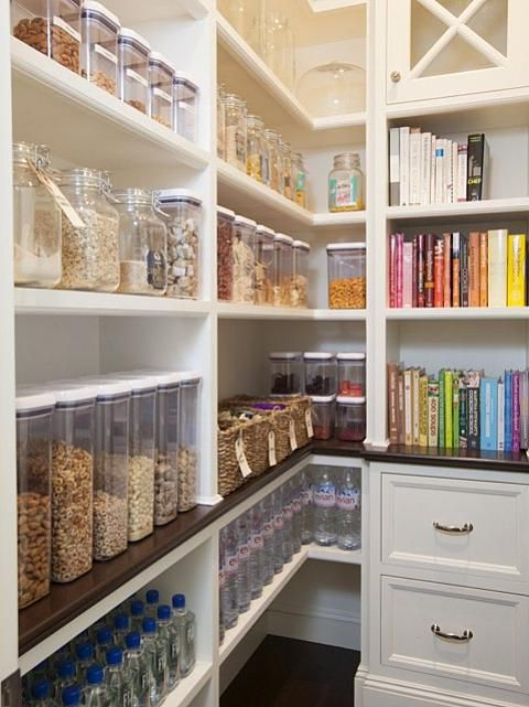 PANTRY ORG TO DIE FORRRRR!! by Lindsay Robinson of @Sarahrichardsondesign