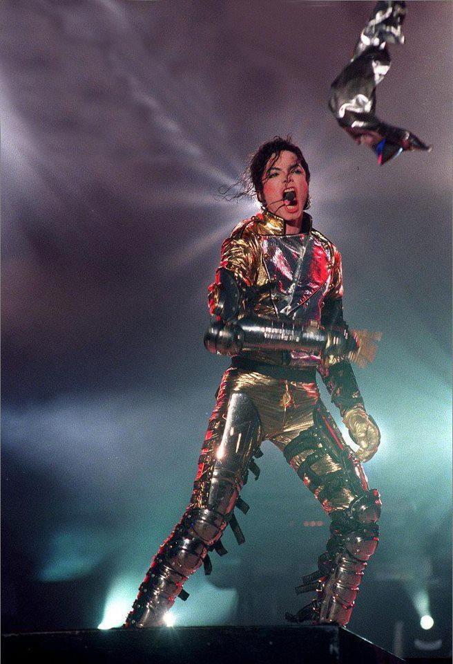 HIStory tour opening. Great shot!!