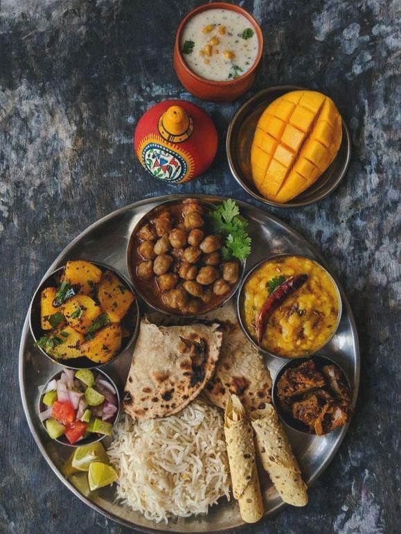 Pin Van Elena Maes Op Characters In 2020 Indiaans Eten Vegetarische Indische Gerechten Voedsel Ideeen