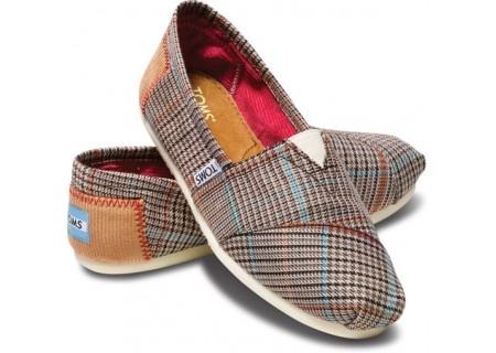 new plaid toms.: Blue Academy, Fashion Shoes, Plaid Toms, Woman Shoes, Toms Shoes, Academy Plaid, Plaid Classic, Fall Styles, Perfect Plaid