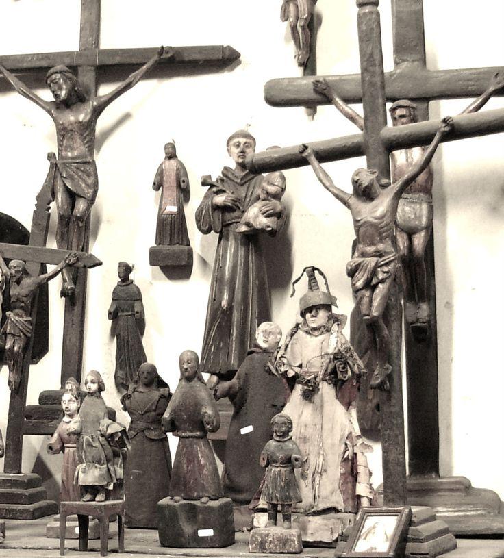 Crucifijos y Santos