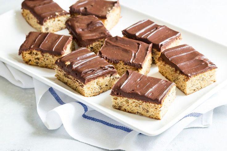 Banana+Sheet+Cake+with+Chocolate+Sour+Cream+Icing