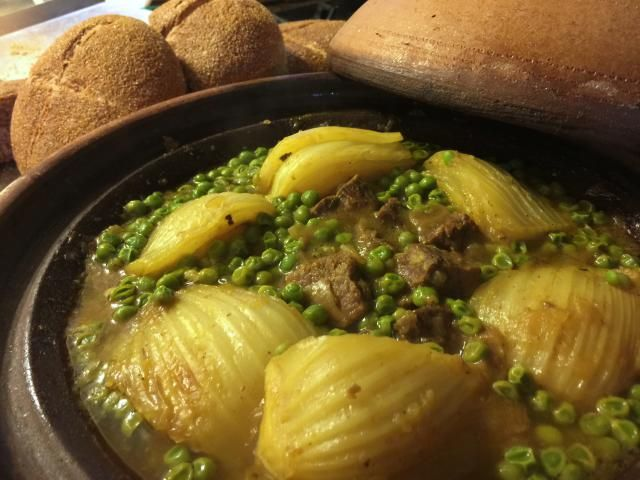 Peas and fennel perfectly complement each other in this classic Moroccan tagine recipe seasoned with ginger and saffron.