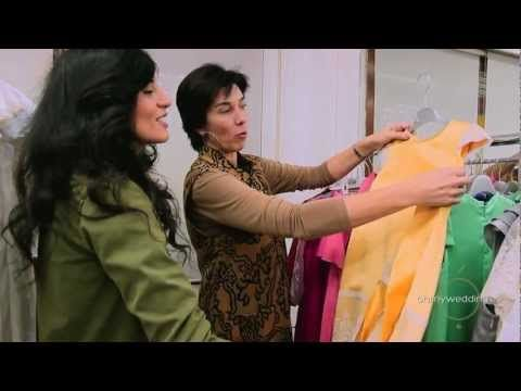 Entrevista a Teresa Palazuelo, Diseñadora de Alta Costura, nos enseña su atelier y nos cuenta todo el proceso desde que una novia se pone en sus manos ¡nos ha encantado!