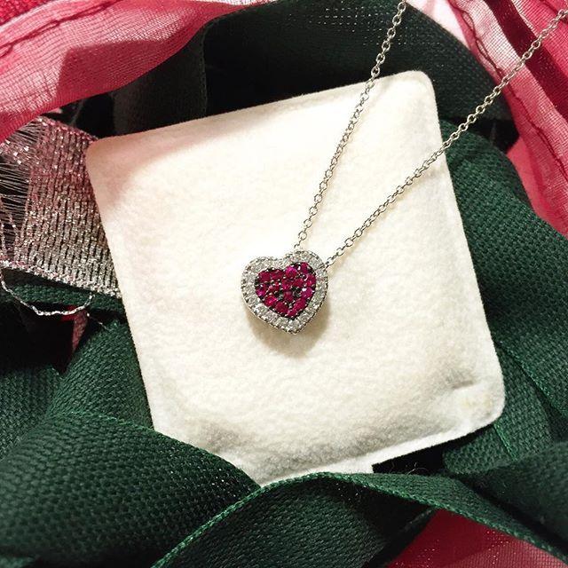 Girocollo in oro bianco a cuore con rubini e diamanti - MIRCO VISCONTI - Cicala.it