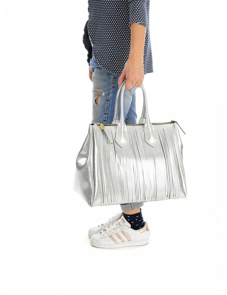 BORSA DONNA ARGENTO GUM GIANNI CHIARINI con frange - Caneppele #caneppele #gumgiannichiarini #fringe #silver #bag #women #spring #summer #collection #trend #2016 #shop #trento #italia #borsa #argento #frange