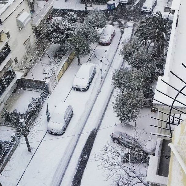 ❄⛄❄YAY!!! It's snowing in our neighborhood!!! ❄⛄❄ #winter #snow #greece #thessaloniki #cold #white #EleniS #instagram #instagood #instalike #instalove #photooftheday #potd #pickoftheday #fun