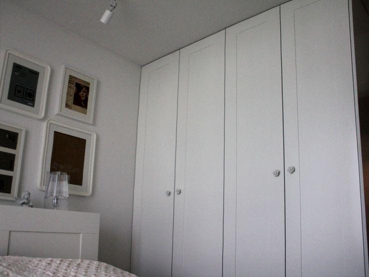 Biel, biały RAL 9016 #wardrobe #szafa #biel #white #meble #shelves #półki #warszawa #warsaw #poland #likeit #instasize #instaphoto #instawardrobe #decor #design
