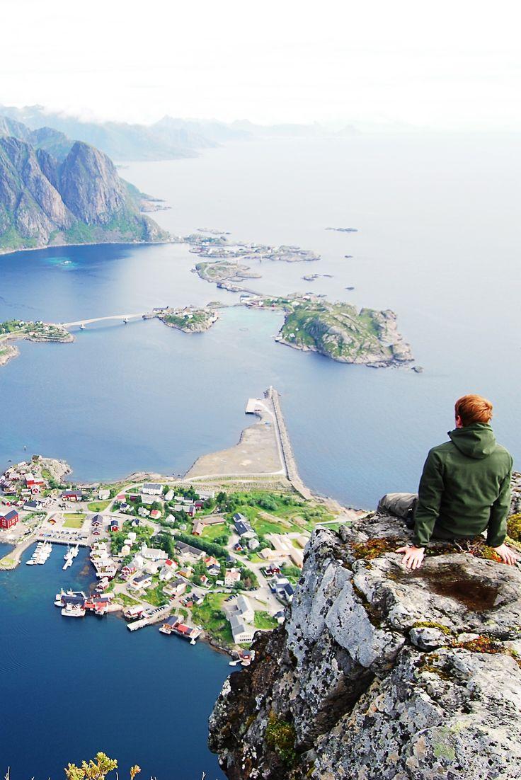 Reinebriggen, Norwegen. Den richtigen Koffer für eure Reise findet ihr bei uns: https://www.profibag.de/reisegepaeck/