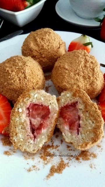 Słodkie Rewolucje: Fit knedle z truskawkami