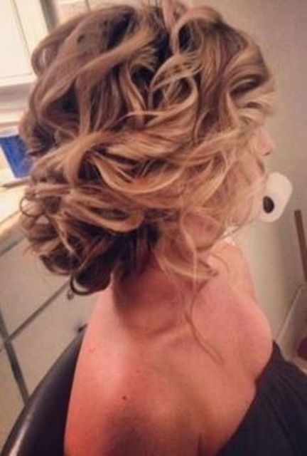 20 Chic Bridesmaid Hairstyles For Medium Hair