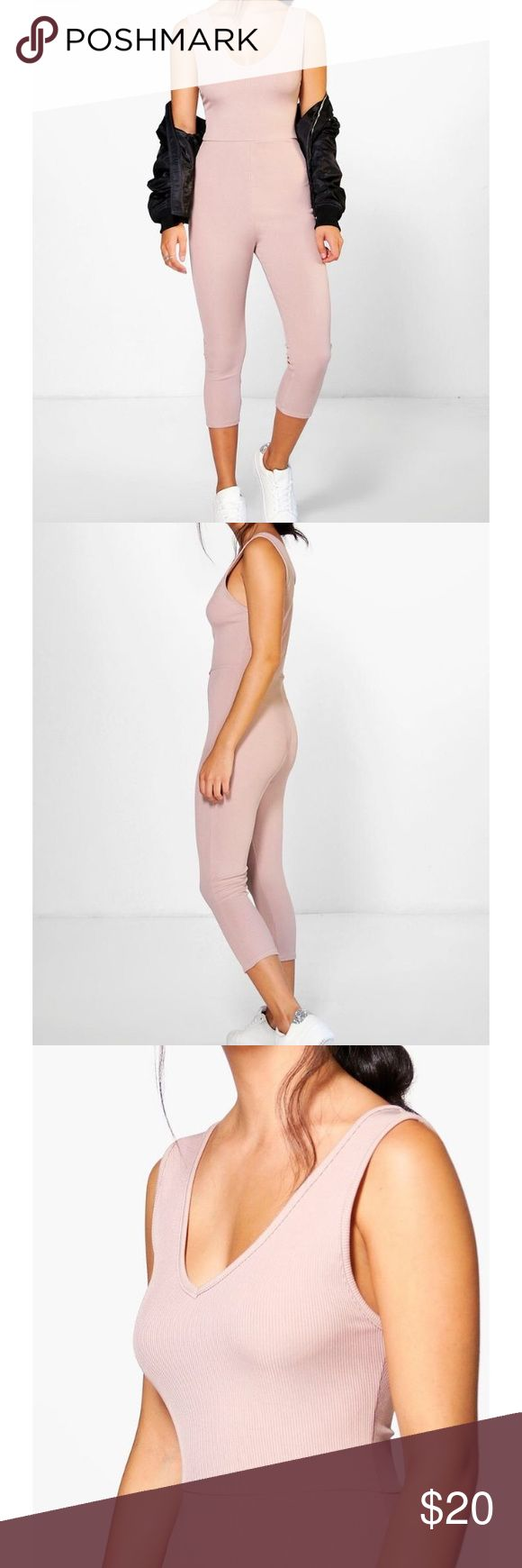 Boohoo Ribbed jumpsuit in nude Nude jumpsuit cut for a close fit. Wear with sneakers and your favorite bomber to recreate the look! Boohoo Pants Jumpsuits & Rompers