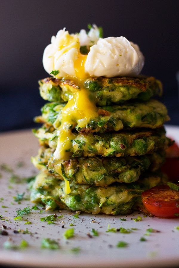 Zucchini Pea and Mint Fritters l www.aninas-recipes.com #foodstyling #foodblog #foodphotography