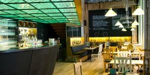 OneTwo Wine and Beer Bistro by Adamdesign