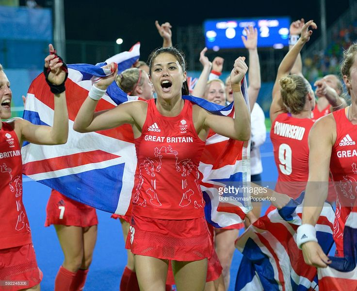 Sam Quek of Great Britain celebrates victory after the Women's hockey Gold medal match between The Netherlands and Great Britain on Day 14 of the Rio 2016 Olympic Games held at the Olympic Hockey Centre on August 19, 2016 in Rio de Janeiro, Brazil. (Photo by Bob Thomas/Popperfoto/Getty Images).