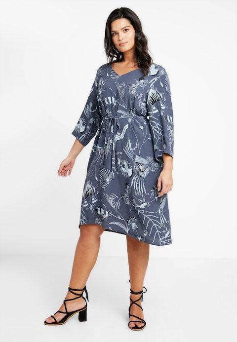 966759fda0c JRTANINE KEENAN DRESS - Kjole - ombre blue/aop @ Zalando.no 🛒 in ...