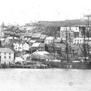 Cuthberts Shipyard at Millers Point,Sydney in 1860. 🌹