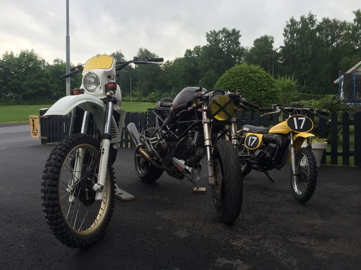 The M900 together with its fellow bikes of my collection; Husky 240 WR from 1984 and the Suzuki RM 50 from 1978.