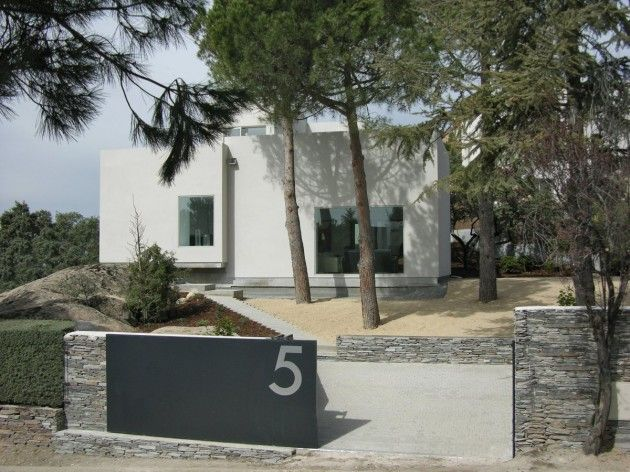 SPAIN: Casa Del Pico by ÁBATON Arquitectura. 1/21/2012 via @CONTEMPORIST .com