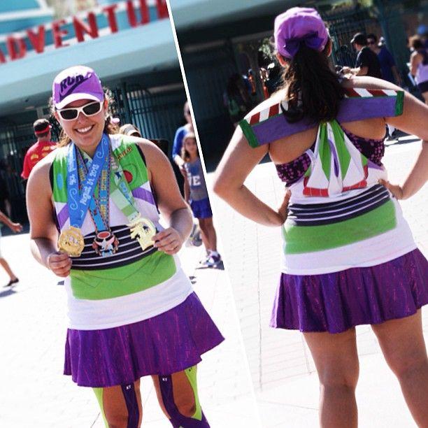 Buzz Lightyear Running Costume | Run Disney | www.NomNomCrunch.com
