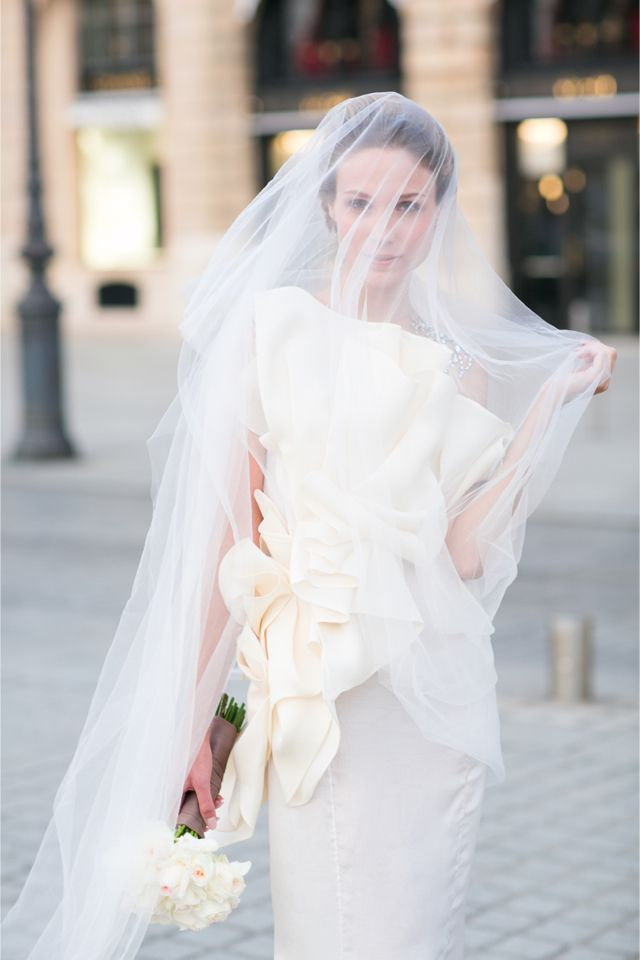 Veiled bride in Paris | One and Only Paris Photography | http://burnettsboards.com/2013/12/candlelit-parisian-elopement/