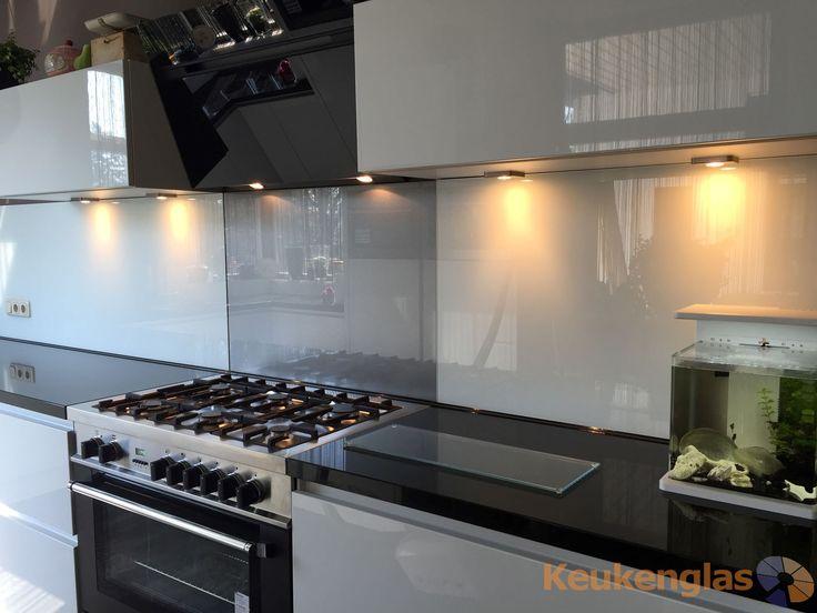 Glazen Achterwand Keuken Eindhoven : keuken in Ugchelen eruit zag voor de plaatsing van de glazen spatwand
