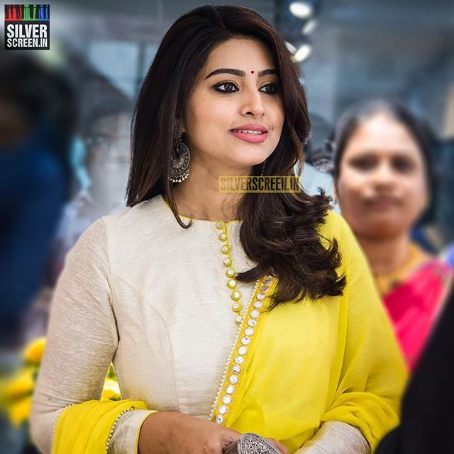 Actress #Sneha at the launch of a shoe line in #Chennnai. . Photo reuse must be credited to @silverscreenin . . #Kollywood #TamilCinema #TamilMovie #TamilActress #KollywoodActress #KollyCinema #Tollywood #TeluguActress #TollywoodActress #TeluguCinema #MalluActress #MalayalamCinema