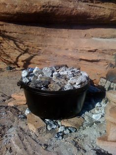 Outdoor Dutch Oven Recipes   ... on Cast Iron - Cast Iron Recipes: Equipment: Camp Dutch Oven - 8 Quart