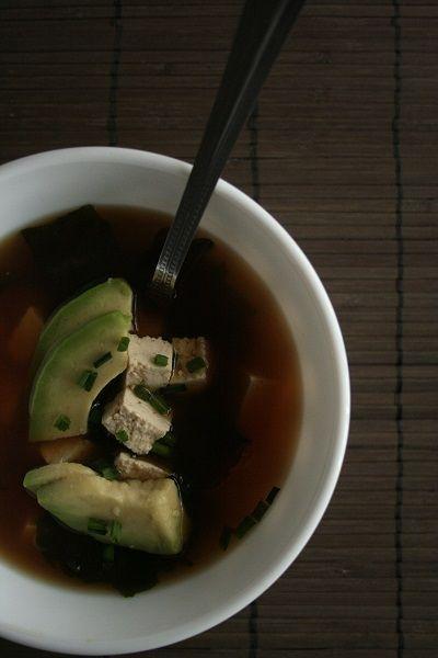Zuppa di miso - Miso Soup: tofu and avocado