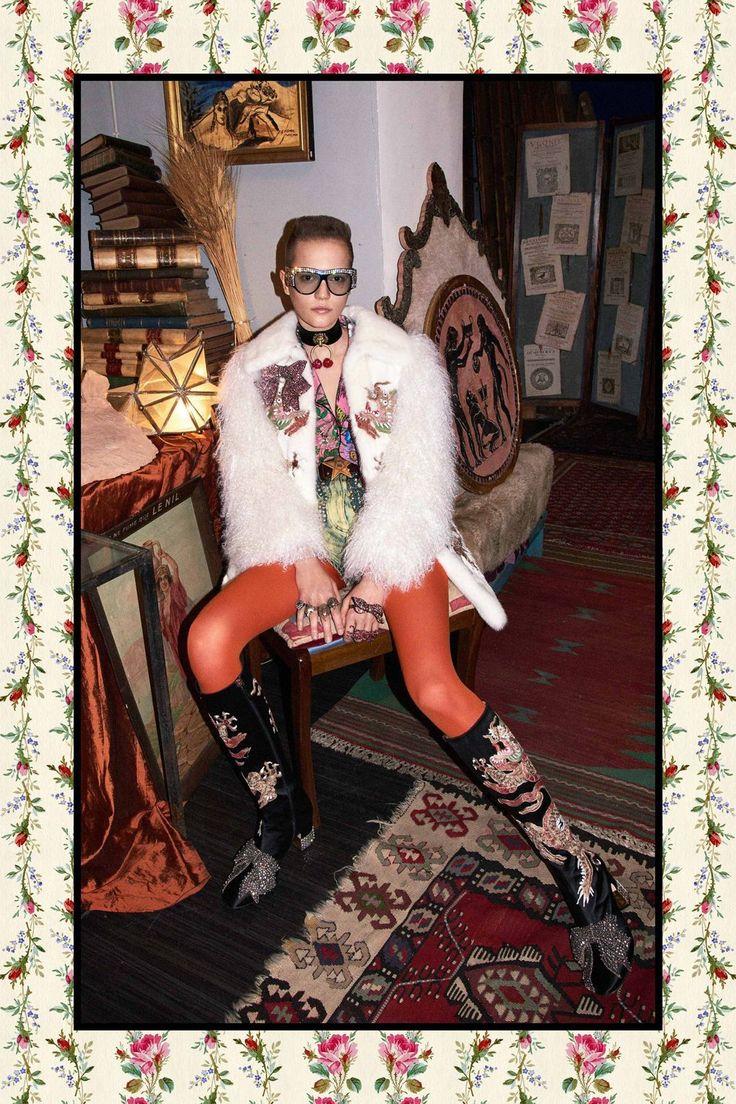 Gucci Autumn/Winter 2017 Pre-Fall Collection #redtights