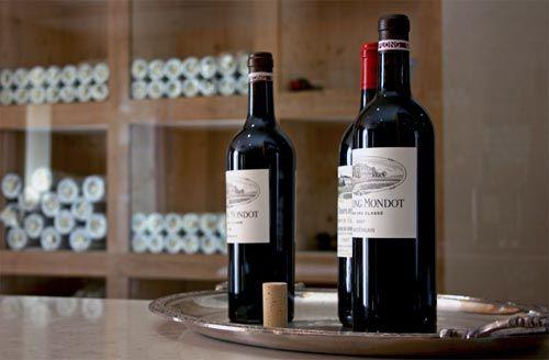 Venez découvrir les vins du Château Troplong Mondot en réservant votre visite sur Wine Tour Booking