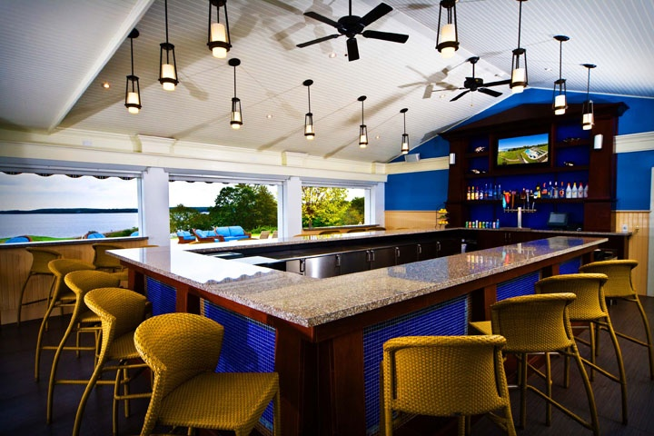 Grab a drink at the Splash Bar at the Samoset Resort
