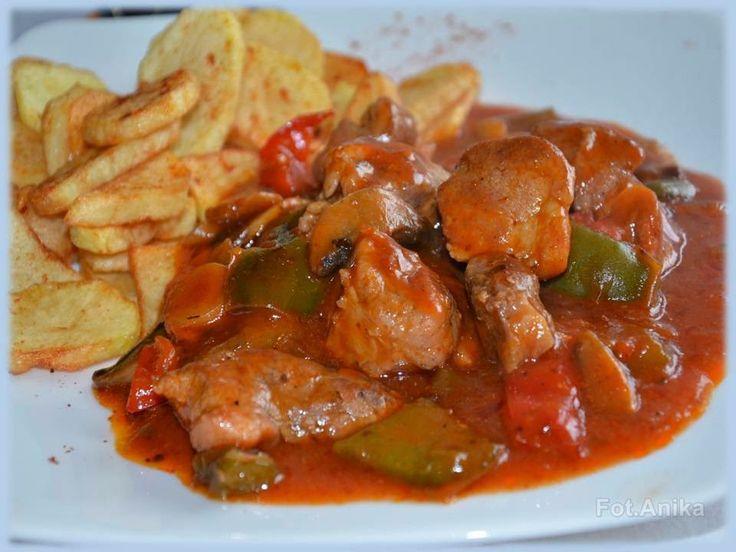 Domowa kuchnia Aniki: Karkówka w sosie węgierskim