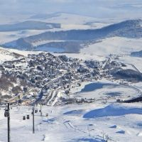 Besse Super Besse. Pour skier en famille. | Site Officiel des Stations de Ski en France : France Montagnes - Famille Plus  http://www.sancy.com/commune/superbesse