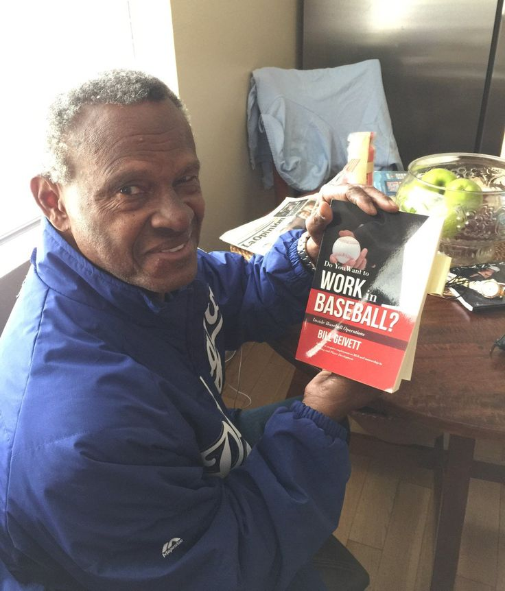 """@Dodgers Great Manny Mota enjoying a good read - """"Do You Want to Work in Baseball?"""" @MannyMota11 @geivo"""