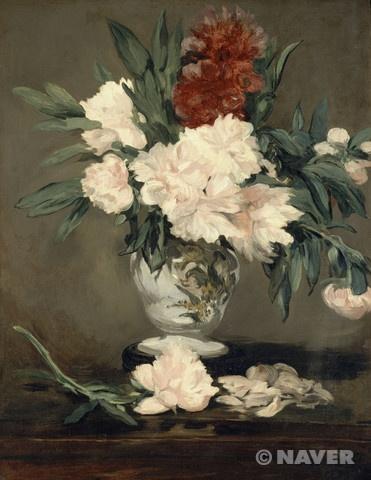 에두아르 마네 '작은 받침대 위에 놓인 모란 꽃 병' 1864년 오르세 미술관 소장 인상주의 부귀영화를 상징하는 꽃으로 중국과 극동지역에서 오랫동안 사랑 받았던 모란은 18세기 말~19세기 초 유럽에 전해져 유럽인들의 마음을 사로잡았다. 마네 역시 개인적으로 모란꽃을 좋아해서, 직접 재배하기도 했으며 작품의 소재로도 자주 다루었는데, 이 그림이 그려진 1864년에는 특히 모란꽃 그림을 많이 그렸다. 하지만 이 작품은 전통적인 정물화에서 다루었던 바니타스(vanitas; '덧없음'을 뜻하는 라틴어)라는 상징을 전면에 내세우고 있다는 점에서 마네의 정물화 중에서도 독특한 작품이라 할 수 있다