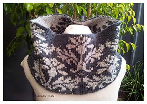 Ravelry: Honeymoon Cowl pattern by Louise Fitzpatrick