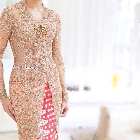 """""""Detail... #kebaya #wedding #weddingdress #pengantin #lace #beads #swarovski #songket #verakebaya ❤️"""""""