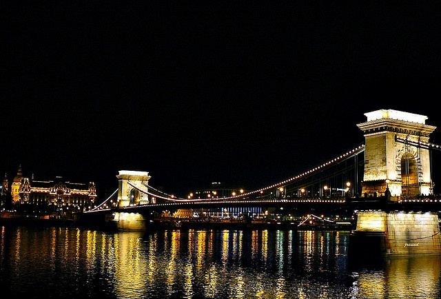 Lánchíd (Chain Bridge)