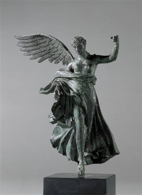 Nike - Hellenistic period (323-31 B.C) - Bronze.   Photo (C) RMN-Grand Palais (musée du Louvre) / Michèle Bellot.