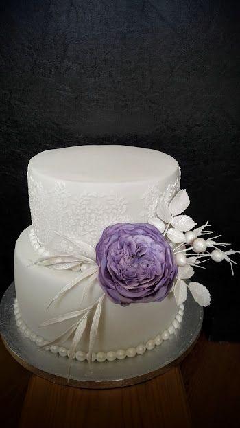 Wedding cake with Austin rose