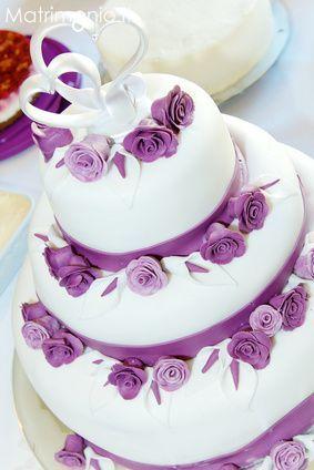 Torta nuzilae bianca e lila con rose by Wedding planner San Vito al Tagliamento (PN) - Cinderella & the Party