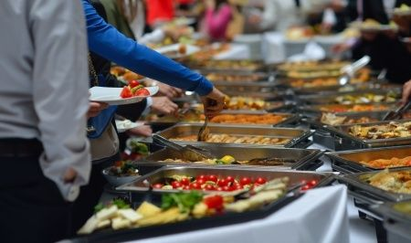 Sewa Jasa Catering, Siapkan Budget Anda - http://www.livingwell.co.id/post/financial-well-being/sewa-jasa-catering-siapkan-budget-anda
