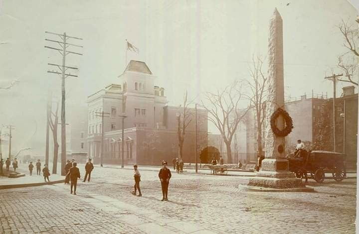 Paulus Hook Memorial With Gregory Mansion Post Office In Background Jersey City City Photo