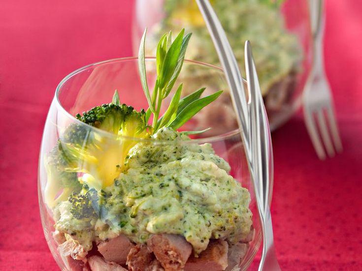 Découvrez la recette Purée de brocolis, sauce béarnaise sur cuisineactuelle.fr.