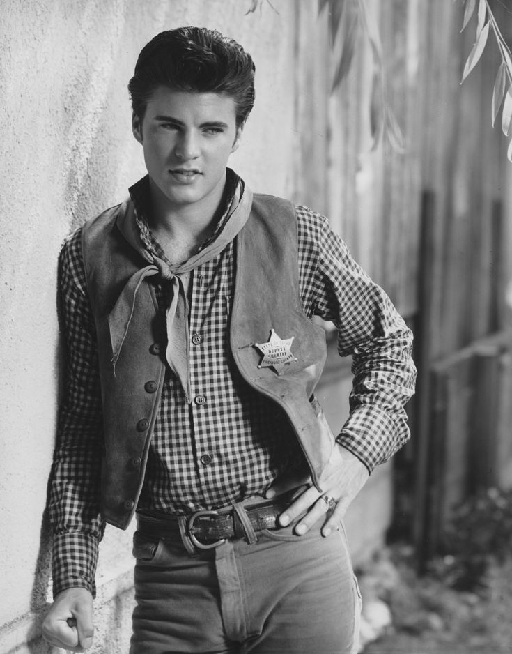 Can that ricky nelson nakes looks much