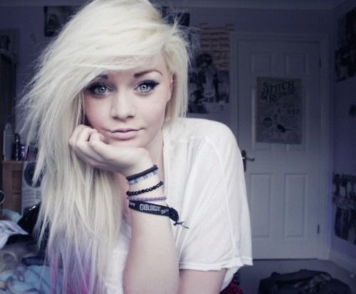 I dont know why i find this hair so cute! but I do!!