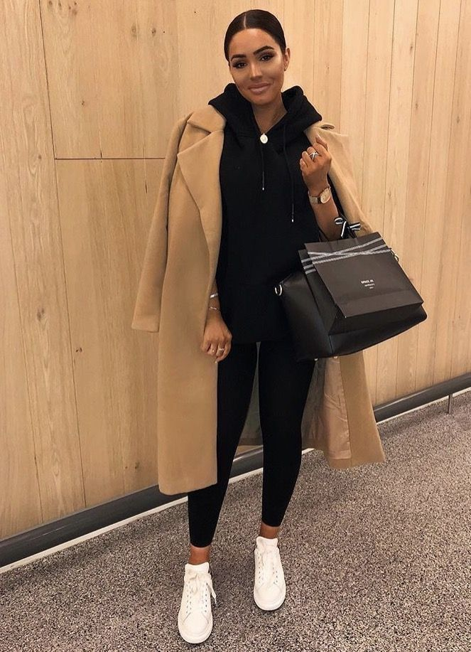 Casual sweater and leggings combination with a long trench winter coat, the ideal outfit